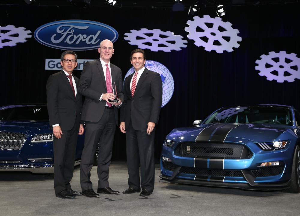 BorgWarner receives 2014 World Excellence Awards from Ford